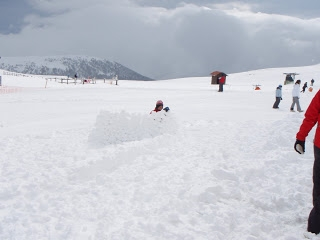 Snow on March in Kaimaktsalan ski center